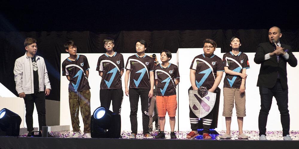 VGJ.Thunder - Galaxy Battles II Champions