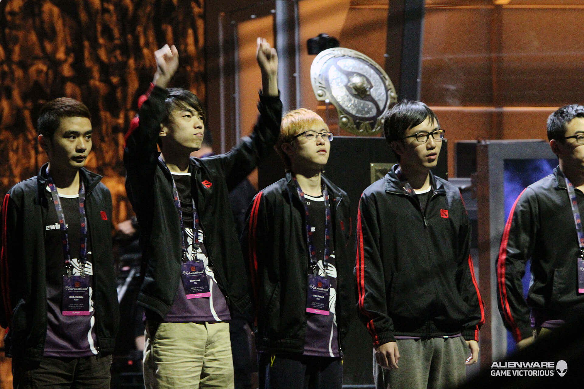 Intel Partners with Newbee For Dota 2