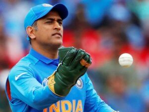 Mahendra Singh Dhoni TOP 10 INDIA CRICKET STARS